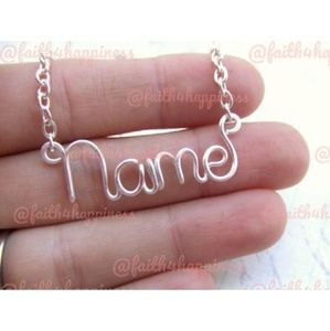 YOUR BEAUTIFUL NAME ON A NECKLACE - MAKES A CUTE🎁